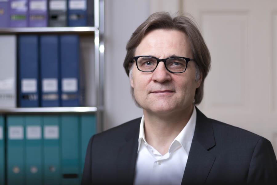Dr. Dr. Reinhard O. Neubauer